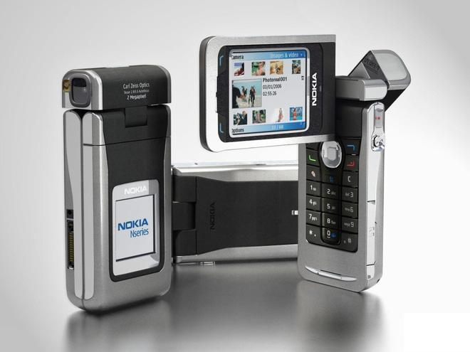 Ngược dòng thời gian: Không phải A80, đây mới là những chiếc điện thoại camera xoay/gập từng làm thế hệ 8X/9X say đắm - Ảnh 3.