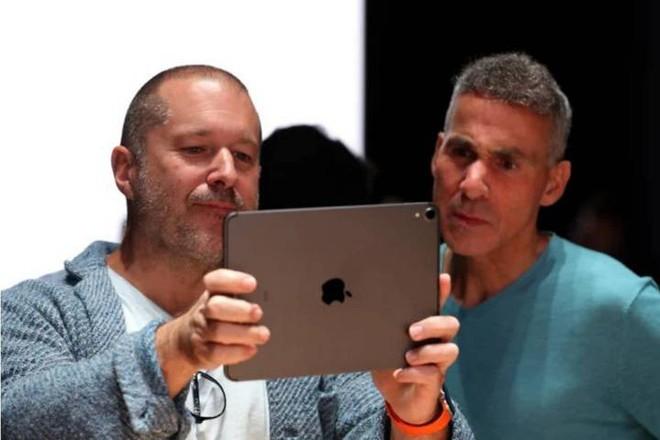 Tim Cook gửi tâm thư cho nhóm thiết kế sau khi trưởng nhóm thiết kế Jony Ive ra đi tìm phương trời mới - Ảnh 2.