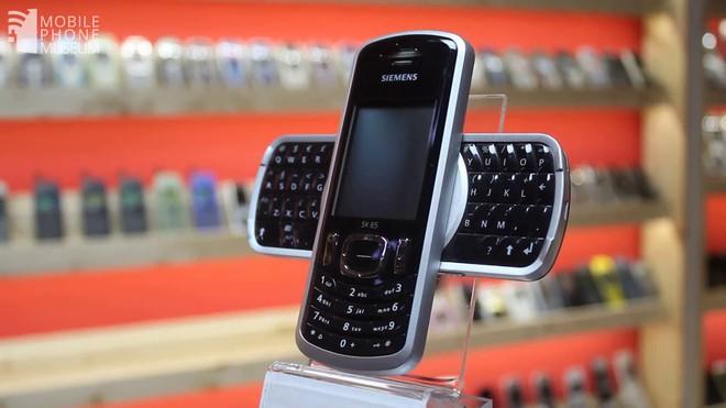 Ngược dòng thời gian: Không phải A80, đây mới là những chiếc điện thoại camera xoay/gập từng làm thế hệ 8X/9X say đắm - Ảnh 4.