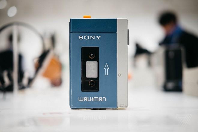 40 năm trước, chiếc máy Sony Walkman đã làm thay đổi hoàn toàn cách chúng ta nghe nhạc - Ảnh 1.