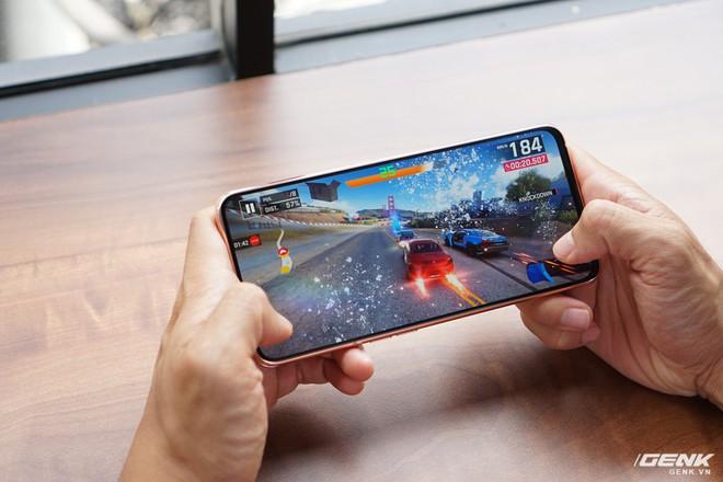 Trải nghiệm game trên Samsung Galaxy A80: màn hình thực sự tràn viền và chip Snapdragon 730G có đáng tiền? - Ảnh 5.