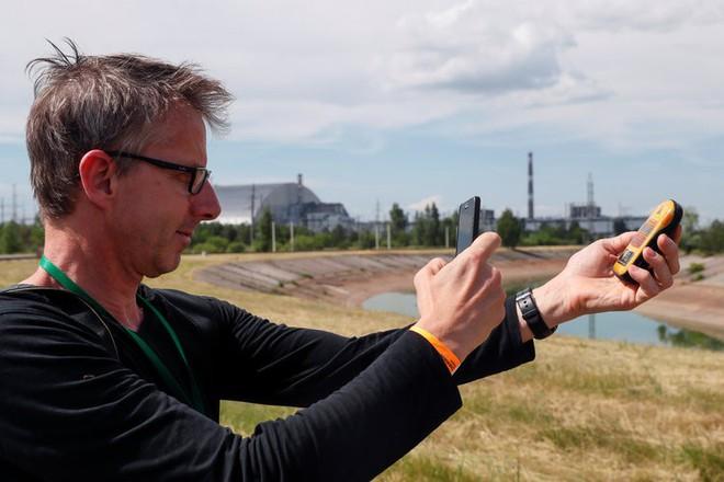 Ghé thăm Chernobyl có nguy hiểm không? Hãy nghe một chuyên gia chất thải phóng xạ trả lời - Ảnh 2.