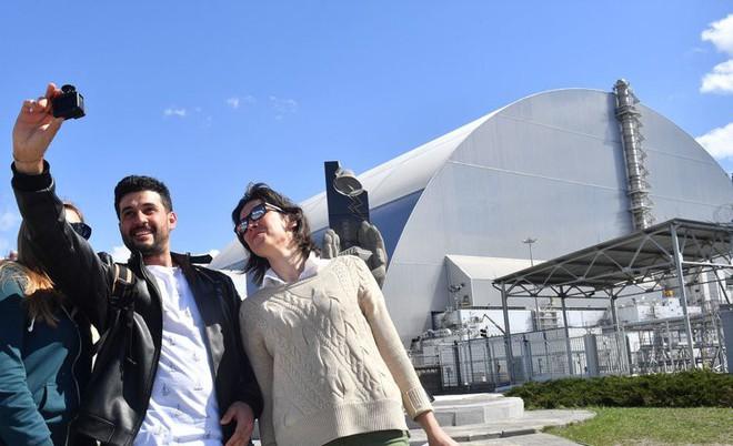 Ghé thăm Chernobyl có nguy hiểm không? Hãy nghe một chuyên gia chất thải phóng xạ trả lời - Ảnh 1.
