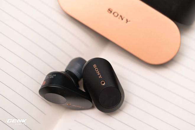 Đánh giá chi tiết tai nghe true-wireless WF-1000xm3: Muộn còn hơn là không bao giờ - Ảnh 20.