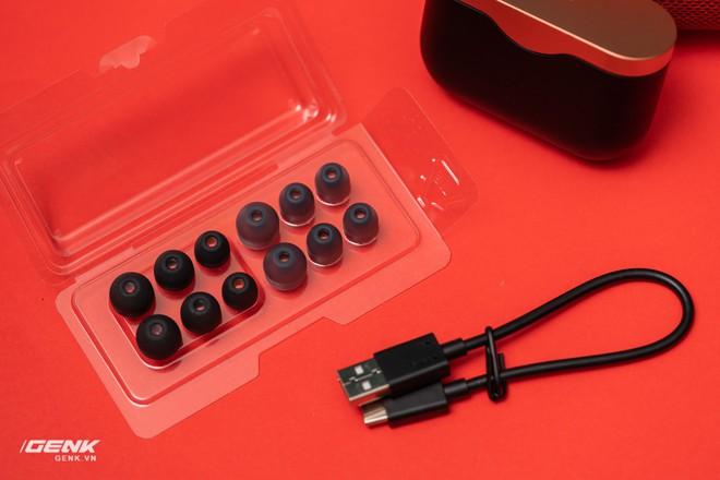 Đánh giá chi tiết tai nghe true-wireless WF-1000xm3: Muộn còn hơn là không bao giờ - Ảnh 6.