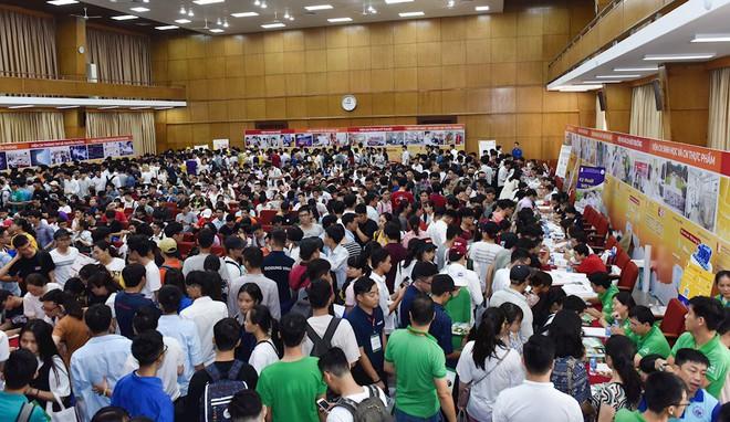 12 sinh viên Đại học Bách khoa Hà Nội mới ra trường nhận lương 138 triệu đồng/tháng - Ảnh 2.