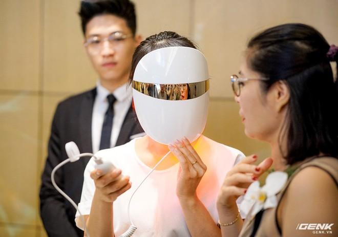 Bộ thiết bị làm đẹp cá nhân LG Pra.L ra mắt: Dùng cho cả nam và nữ, mặt nạ đèn LED trông như siêu nhân, tổng giá trị 50 triệu - Ảnh 3.
