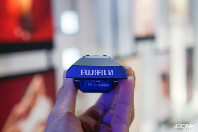 Cận cảnh máy ảnh Medium Format đắt tiền nhất của Fujifilm, mỗi body đã đốt ví bạn đến hơn 250 triệu đồng - Ảnh 7.