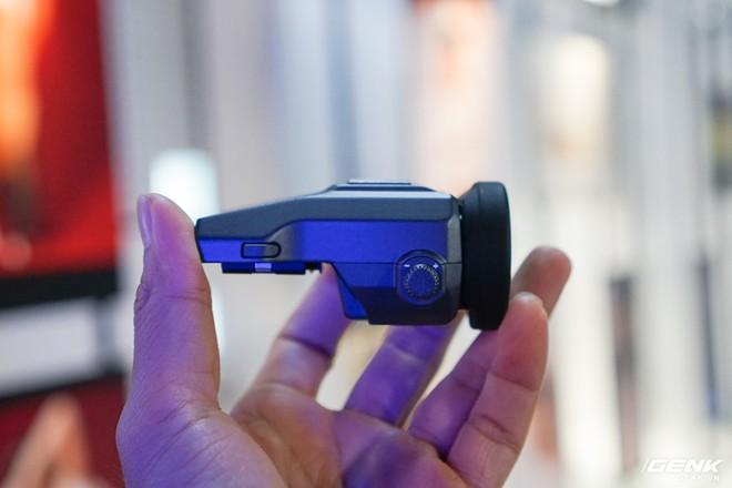 Cận cảnh máy ảnh Medium Format đắt tiền nhất của Fujifilm, mỗi body đã đốt ví bạn đến hơn 250 triệu đồng - Ảnh 8.