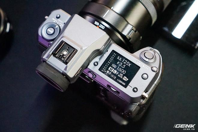Cận cảnh máy ảnh Medium Format đắt tiền nhất của Fujifilm, mỗi body đã đốt ví bạn đến hơn 250 triệu đồng - Ảnh 9.