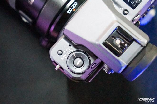 Cận cảnh máy ảnh Medium Format đắt tiền nhất của Fujifilm, mỗi body đã đốt ví bạn đến hơn 250 triệu đồng - Ảnh 10.