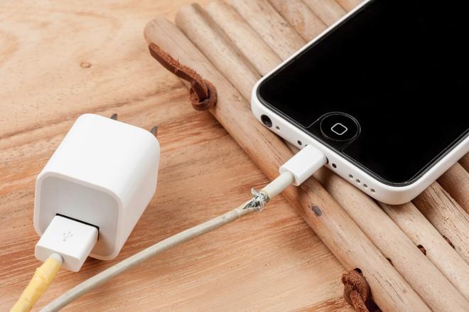 Những lý do Apple nên khai tử cổng kết nối lightning - Ảnh 4.