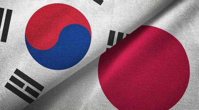 Hàn Quốc tính biện pháp trả đũa Nhật Bản sau lệnh cấm xuất khẩu vật liệu sản xuất màn hình và chip nhớ - Ảnh 1.