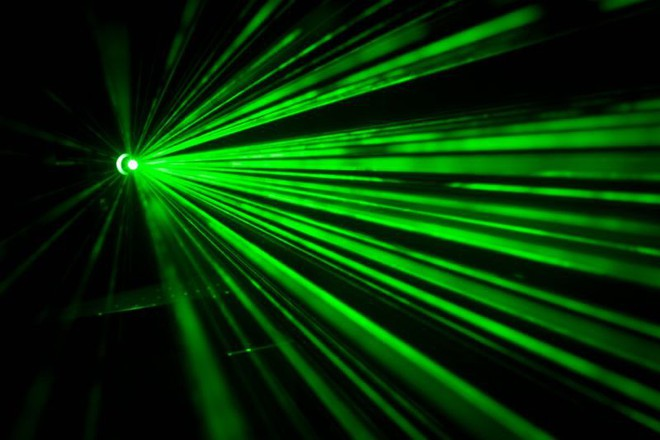 Tích hợp chip quang học, CPU của tương lai có thể nhanh hơn hàng trăm lần nhưng cũng sẽ lớn hơn nhiều so với hiện tại - Ảnh 1.