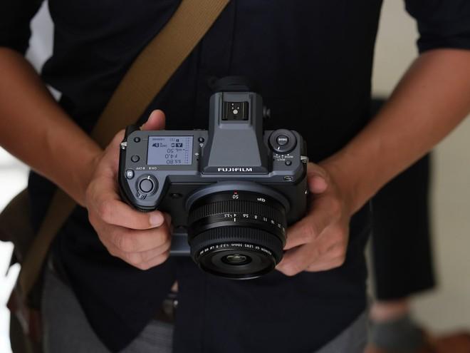 Cận cảnh máy ảnh Medium Format đắt tiền nhất của Fujifilm, mỗi body đã đốt ví bạn đến hơn 250 triệu đồng - Ảnh 5.