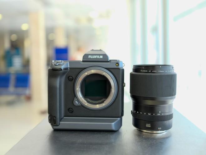 Cận cảnh máy ảnh Medium Format đắt tiền nhất của Fujifilm, mỗi body đã đốt ví bạn đến hơn 250 triệu đồng - Ảnh 3.