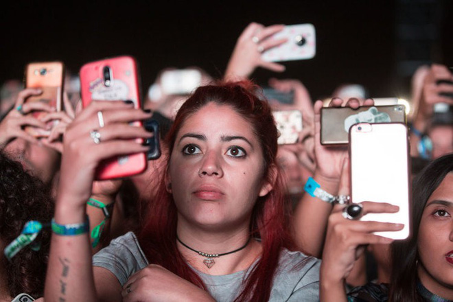 Thế hệ trẻ ngày càng chán Facebook, Skype, Twitter và Instagram - Ảnh 1.