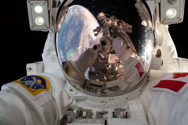 Tương lai bất định của trạm vũ trụ ISS khi NASA muốn trở lại Mặt trăng - Ảnh 1.