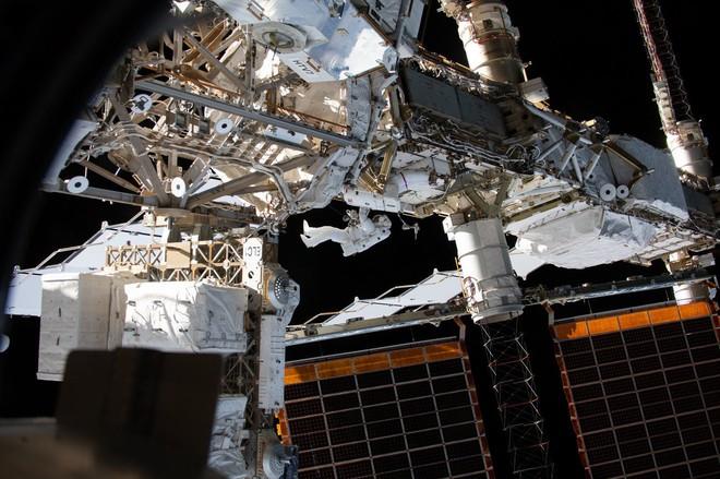 Tương lai bất định của trạm vũ trụ ISS khi NASA muốn trở lại Mặt trăng - Ảnh 5.