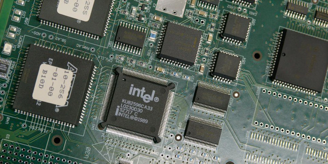 Intel đã bán hàng trở lại cho Huawei - Ảnh 1.