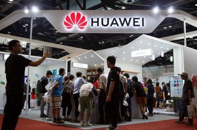 Doanh số smartphone Huawei tại Trung Quốc tăng mạnh nhờ tinh thần yêu nước và các chương trình khuyến mại hấp dẫn - Ảnh 1.