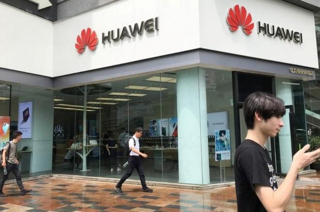 Doanh số smartphone Huawei tại Trung Quốc tăng mạnh nhờ tinh thần yêu nước và các chương trình khuyến mại hấp dẫn - Ảnh 2.