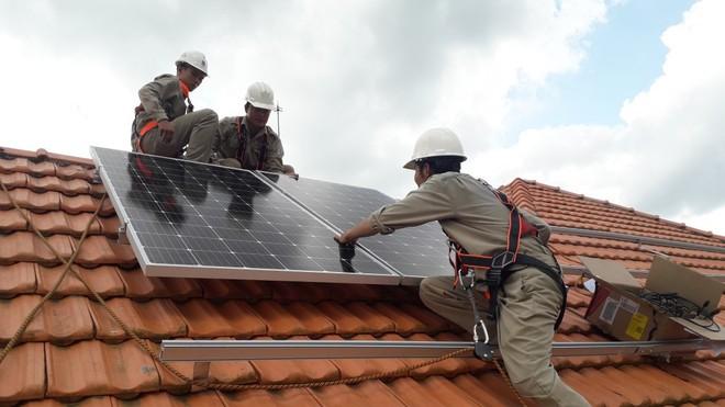 Điện mặt trời tiết kiệm cho gia đình bạn bao nhiêu trên hóa đơn tiền điện? - Ảnh 4.