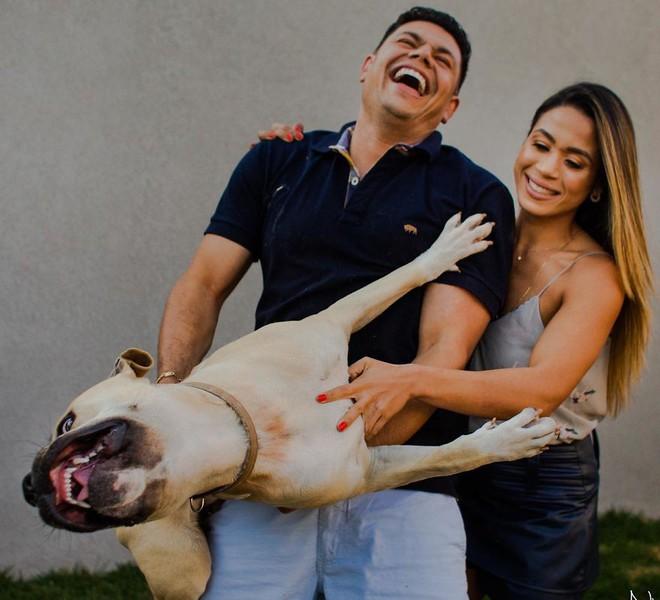 Boss chó đốn tim cư dân mạng nhờ phá bĩnh buổi chụp ảnh cưới của 2 sen thân thiết - Ảnh 4.
