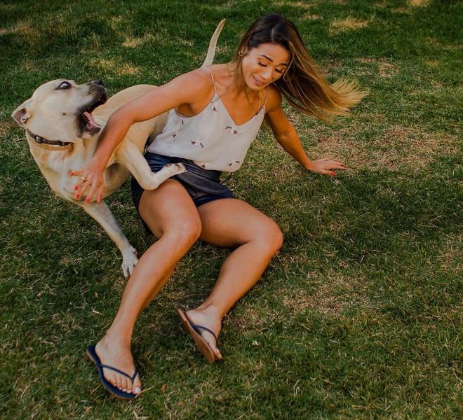 Boss chó đốn tim cư dân mạng nhờ phá bĩnh buổi chụp ảnh cưới của 2 sen thân thiết - Ảnh 7.