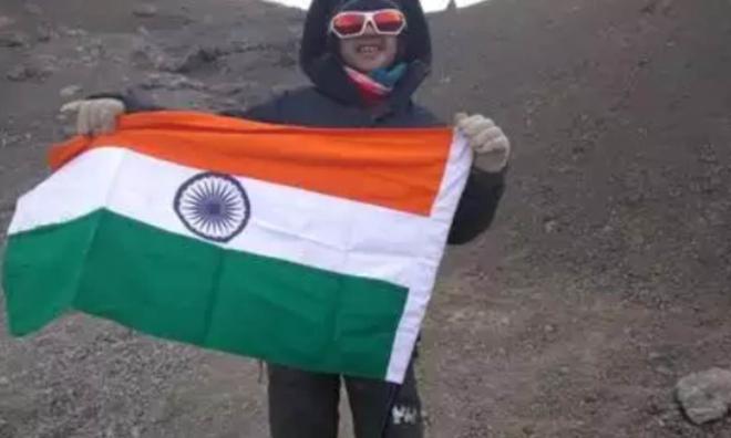Phượt thủ 9 tuổi chinh phục đỉnh Kilimanjaro huyền thoại ở Châu Phi chỉ trong 7 ngày - Ảnh 3.