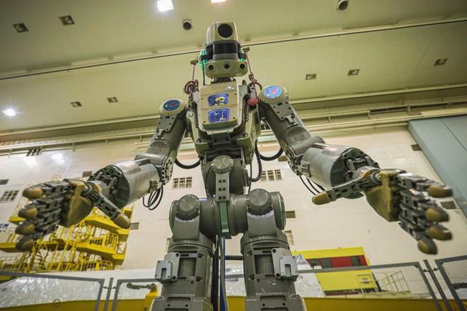 Nga sắp đưa lên trạm ISS một nhân viên tập sự đặc biệt: Một con robot có khiếu hài hước - Ảnh 1.