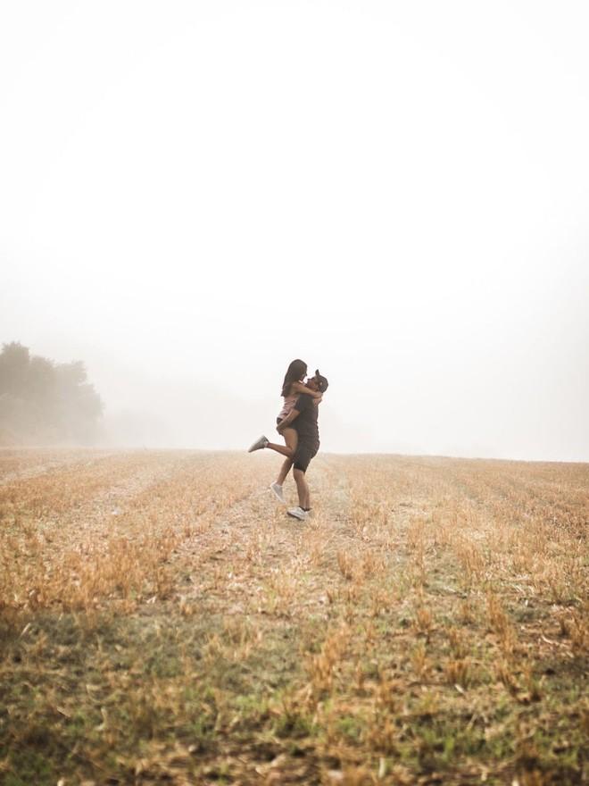 """Được hỏi """"tình yêu là gì"""", nhiếp ảnh gia người Việt và đồng nghiệp liền đáp lại bằng loạt ảnh ấn tượng - Ảnh 23."""