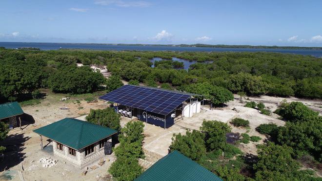 Đây là hệ thống dùng năng lượng Mặt Trời để biến nước biển thành nước ngọt, tạo ra được 75.000 lít nước/ngày với giá chỉ 58 VNĐ/lít - Ảnh 2.
