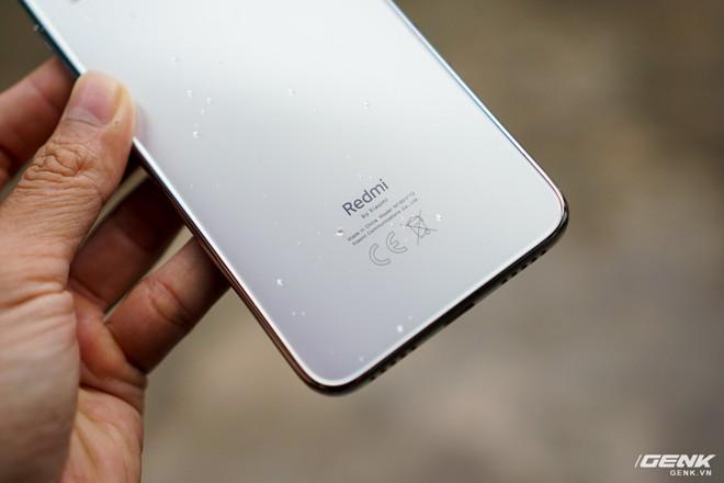 Trên tay Xiaomi Redmi Note 7 màu Trắng Ánh Trăng: viền mạ copy thiết kế iPhone, giá 4,99 triệu đồng - Ảnh 14.