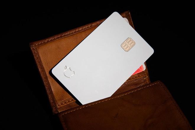 Apple cảnh báo không nên để thẻ tín dụng Apple Card tiếp xúc với các loại da hoặc vải denim - Ảnh 1.