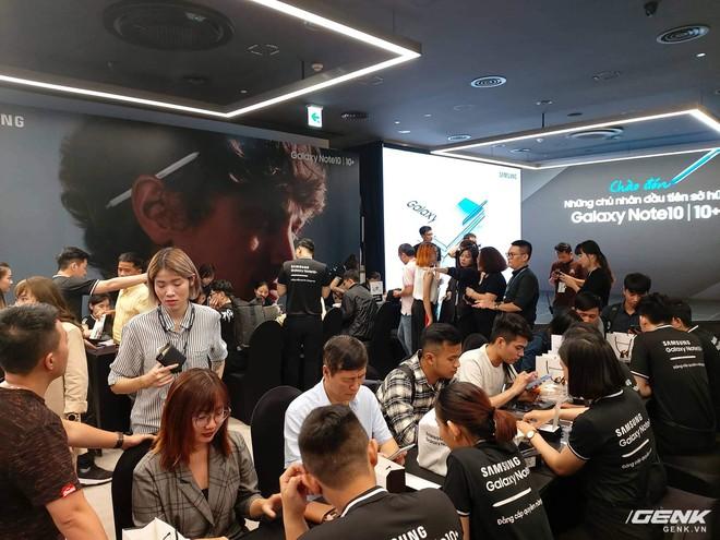 Bộ đôi Galaxy Note10/Note10+ chính thức mở bán tại Việt Nam: lượng đặt mua cao kỷ lục, gấp đôi phiên bản Note9 năm ngoái - Ảnh 5.