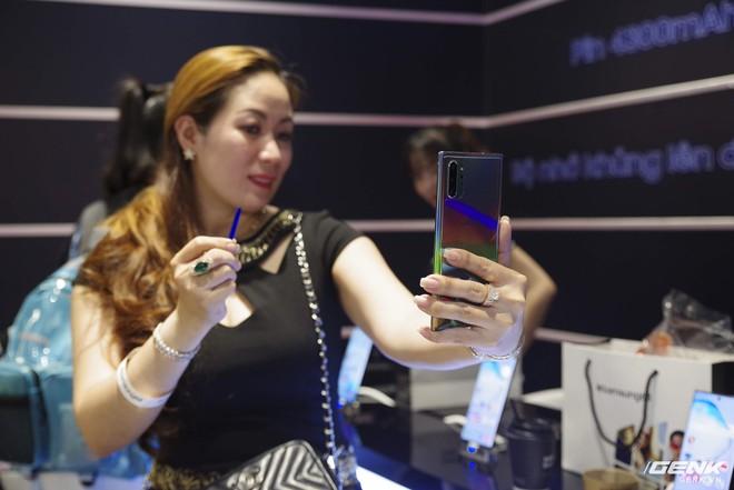Bộ đôi Galaxy Note10/Note10+ chính thức mở bán tại Việt Nam: lượng đặt mua cao kỷ lục, gấp đôi phiên bản Note9 năm ngoái - Ảnh 7.