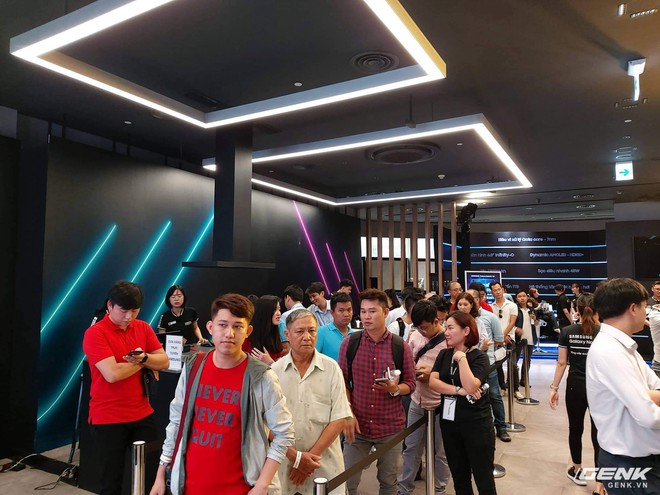 Bộ đôi Galaxy Note10/Note10+ chính thức mở bán tại Việt Nam: lượng đặt mua cao kỷ lục, gấp đôi phiên bản Note9 năm ngoái - Ảnh 6.