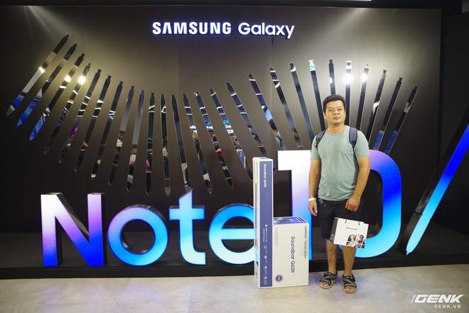 Bộ đôi Galaxy Note10/Note10+ chính thức mở bán tại Việt Nam: lượng đặt mua cao kỷ lục, gấp đôi phiên bản Note9 năm ngoái - Ảnh 11.