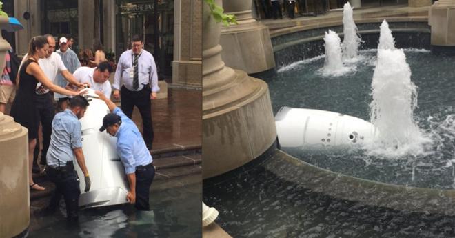 Robot tuần tra an ninh tự tử tại đài phun nước công cộng, có lẽ vì công việc quá áp lực? - Ảnh 1.