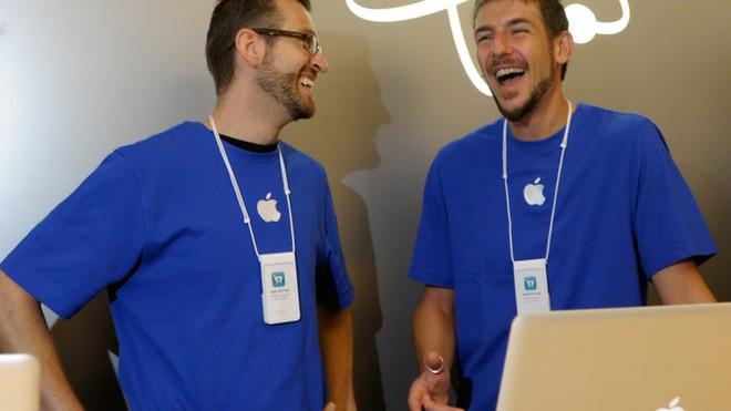 Apple Store là gì mà nhân viên trung thành đến vậy, có người gắn bó tới 5 năm, 10 năm - Ảnh 1.