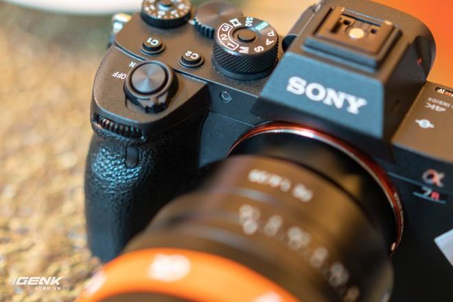Trên tay nhanh bộ đôi máy ảnh cao cấp Sony RX100 VII và Alpha A7R IV tại Việt Nam - Ảnh 12.