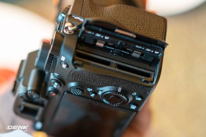 Trên tay nhanh bộ đôi máy ảnh cao cấp Sony RX100 VII và Alpha A7R IV tại Việt Nam - Ảnh 14.
