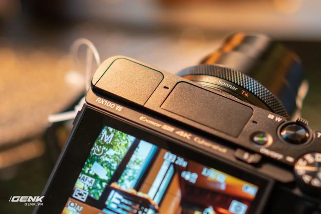 Trên tay nhanh bộ đôi máy ảnh cao cấp Sony RX100 VII và Alpha A7R IV tại Việt Nam - Ảnh 6.