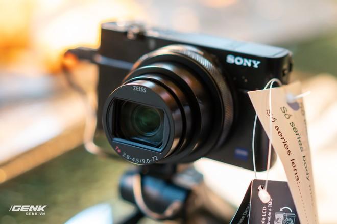 Trên tay nhanh bộ đôi máy ảnh cao cấp Sony RX100 VII và Alpha A7R IV tại Việt Nam - Ảnh 3.