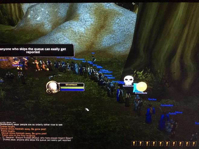 Game thủ World of WarCraft xếp hàng dài như chờ mua iPhone, kiên nhẫn đợi đến lượt được vào giết boss - Ảnh 6.