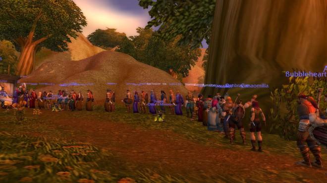 Game thủ World of WarCraft xếp hàng dài như chờ mua iPhone, kiên nhẫn đợi đến lượt được vào giết boss - Ảnh 11.