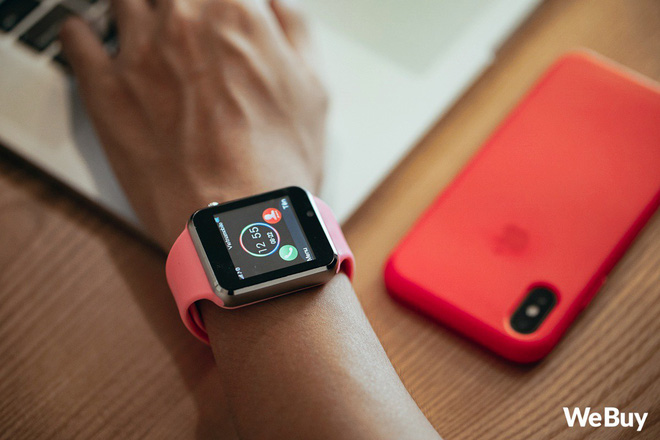 Review nhanh gọn Smartwatch cho trẻ em giá 99K: Có khe SIM, thẻ nhớ, cho nghe nhạc chụp ảnh nhưng cái quan trọng nhất lại thiếu - Ảnh 3.