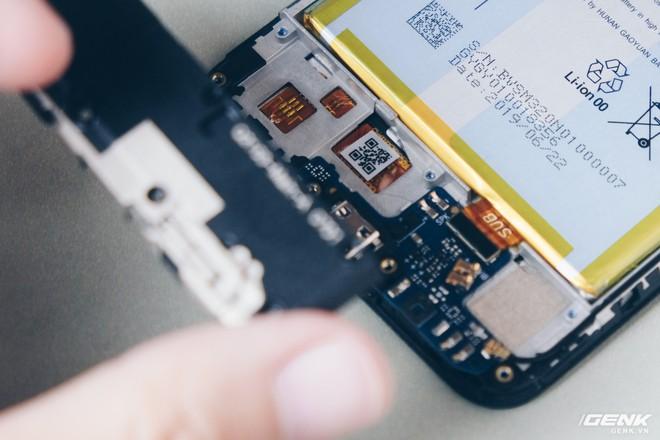 Mổ bụng Vsmart Star: Bên trong smartphone giá rẻ của Vsmart có gì? - Ảnh 6.