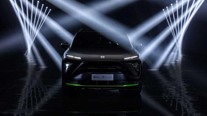 Razer ra mắt ô tô SUV chạy điện, tông xanh-đen như gear game thủ, chạy LED RGB, giá 1,6 tỷ VNĐ chưa thuế - Ảnh 1.